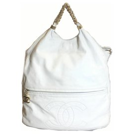 Chanel-Chanel White Rodeo Drive Tote-White