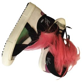 Fendi-Karlito-Black,Pink,White