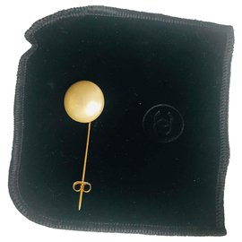 Chanel-Pins & brooches-Golden,Eggshell