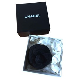 Chanel-Broches et broches-Noir
