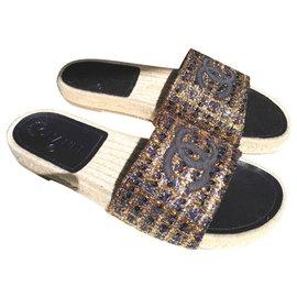 Chanel-Chinelas tweed-Black,Golden,Dark blue