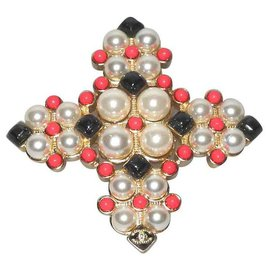 Chanel-Chanel superb gold metal cross brooch, black pearls and cabochons and coral-Golden