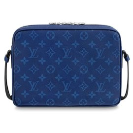 Louis Vuitton-Messenger Outdoor Louis Vuitton Taigarama-Blue
