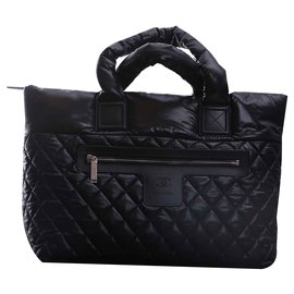 Chanel-cocoon-Black
