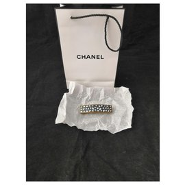 Chanel-Beautiful Chanel mother-of-pearl hair clip-Black,White,Golden