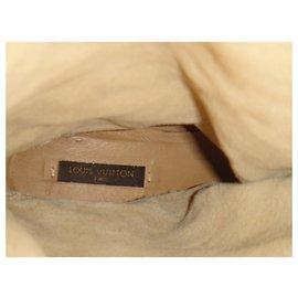 Louis Vuitton-bottes en daim à tige souple Louis Vuitton-Beige