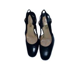 5579ff96f401 Gianni Versace-Gianni Versace Medusa Heel-Dark blue ...