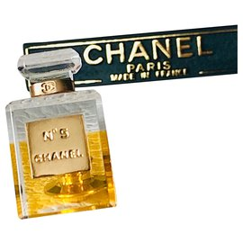 Chanel-Broche chanel n°5-Doré,Orange