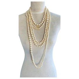 Chanel-Colliers longs-Blanc cassé