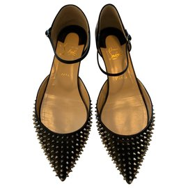 Christian Louboutin-Leathe Ballet Flats with spikes-Black