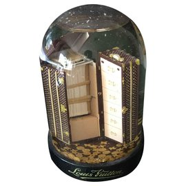 Louis Vuitton-Louis vuitton snow globe-Other