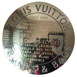 Louis Vuitton-Cadre Louis Vuitton-Doré
