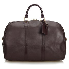 Louis Vuitton-Louis Vuitton GM Kendall Red Taiga-Rouge,Bordeaux