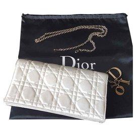 5204f8fdd660 Second hand Bags - Joli Closet