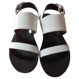 5a3c6baa1ae6 Second hand Women Sandals - Joli Closet
