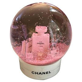 Chanel-Chanel snow globe-Pink,White