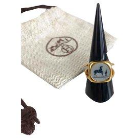 Hermès-Bague Hermès style chevalière dorée-Doré