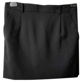 Saint Laurent-Mini-jupe noire 100% laine-Noir