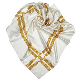 Chanel-Chanel White Printed Silk Chain Scarf-White,Golden