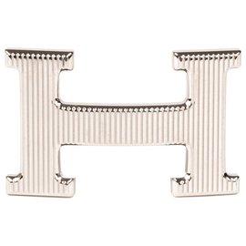 """Hermès-Fivela de cinto Hermès modelo """"Grille"""" em metal prateado, Nova Condição!-Prata"""