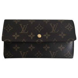 Louis Vuitton-International-Marron