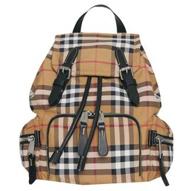 Burberry-BURBERRY The Rucksack shoulder bag with Vintage check pattern-Multiple colors