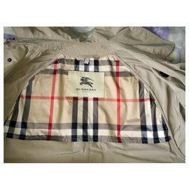 Burberry-BURBERRY Trench-coat en polyester Kensington Mid Heritage de couleur beige-Beige