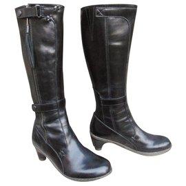 1b499595ab7 Dr. Martens-bottes Dr. Martens modèle Jenna-Noir ...