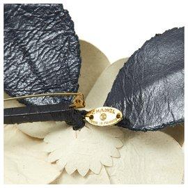 Chanel-LEATHER CAMELIA-Black,Cream