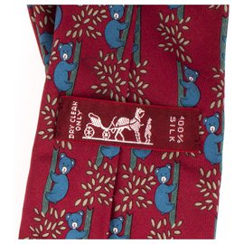 """Hermès-Cravate Hermès en soie imprimée, motif: """"Panda"""" en très bon état!-Blanc,Rouge,Bleu"""