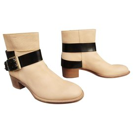 Chloé-Chloé buckle boots in mint condition, just tried-Beige