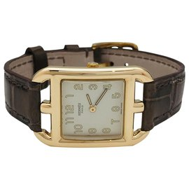 """Hermès-Hermès """"Cape Cod"""" watch in yellow gold on leather.-Other"""