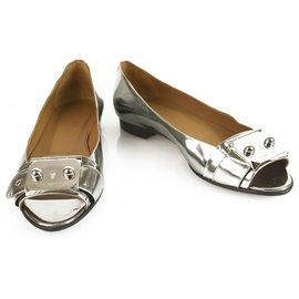 Hermès-Hermès Silver Leather Hermes Open Flats avec plaques de palladium-Argenté