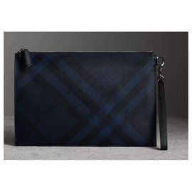 Burberry-BURBERRY, London check zipped pocket-Black,Blue
