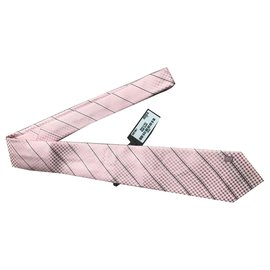 Louis Vuitton-CRAVATE ROSE LOUIS VUITTON NO BOITE TIE NEW-Rose