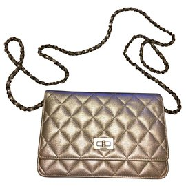 Chanel-wallet on chain-Silvery