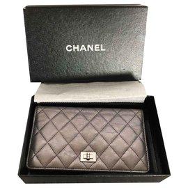 Chanel-2.55-Grey
