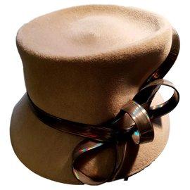 Autre Marque-Chapeau de Philip Treacy-Beige