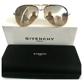 Givenchy-Aviator-Golden