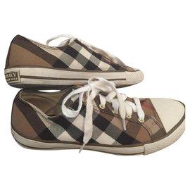 Burberry-Sneakers-Brown