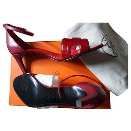 Hermès-first-Dark red