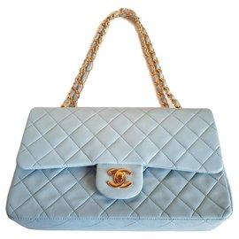 Chanel-timeless-Bleu clair