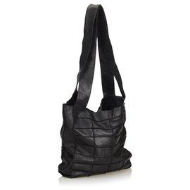 Chanel-Sac cabas à patchwork en cuir noir Chanel-Noir