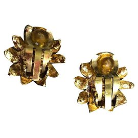 Chanel-Pair of ear clips, Marked CHANEL.(dating from around 1990/95)-Golden