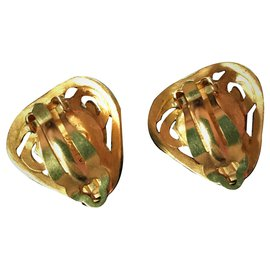 Chanel-Pair of ear clips, Marked CHANEL.1995-Golden