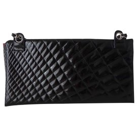 Chanel-POUCH CHANEL LEATHER GM-Black