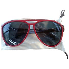 Louis Vuitton-Sunglasses-Red
