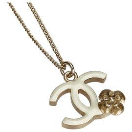 Chanel-Chanel Gold Camellia CC Pendant Necklace-White,Golden,Cream