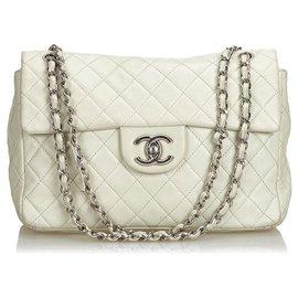 Chanel-Sac à rabat blanc classique Jumbo Caviar Chanel-Blanc