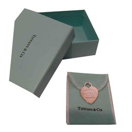 Tiffany & Co-Pendant necklaces-Silvery
